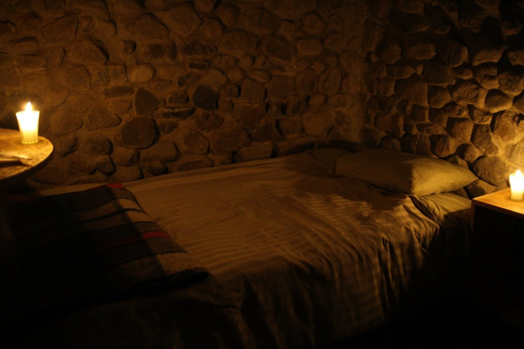 My very comfy bed  - © http://thehermitageretreats.com
